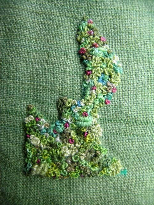 Encrusted brooch 1