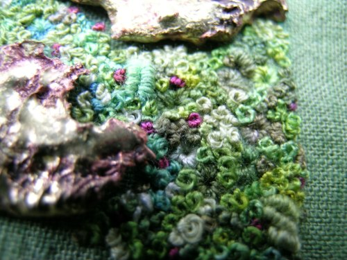 Encrusted brooch 4