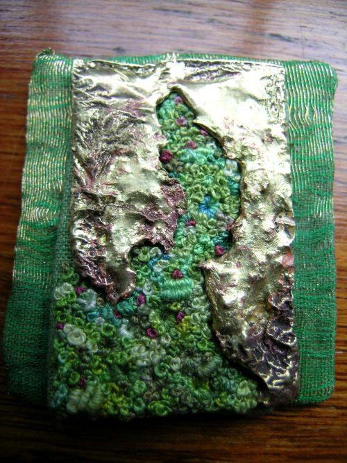 Encrusted brooch 6