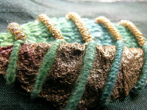 Beaded leaf 9