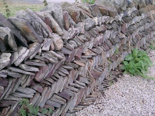 Slate wall, Tintagel 1