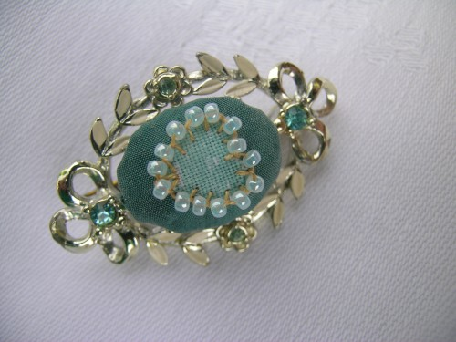 Sea-green upcycled brooch 4