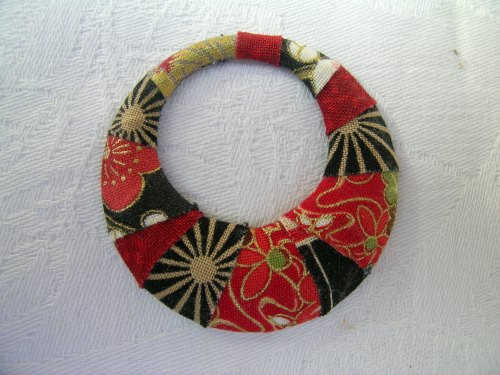 Japanese print wrapped pendant 1