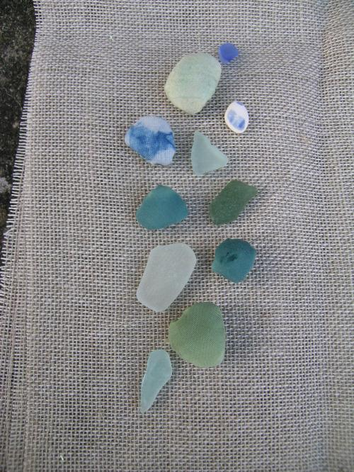 Travelling book sea glass 1