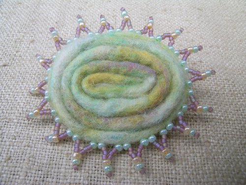 Pale lime brooch 3